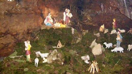 kamnite jaslice v jami Pekel