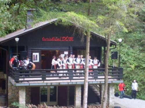 folklorna skupina iz Bosne
