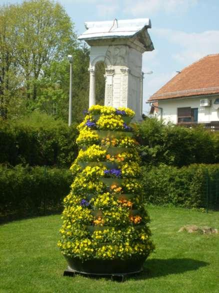 cvetlični stolp