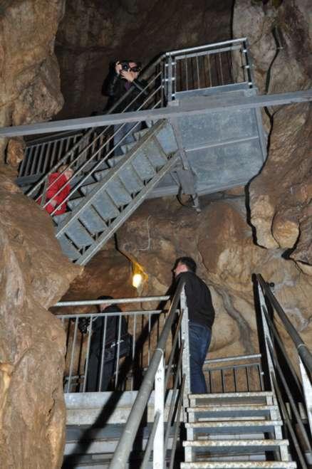 Ogled novih stopnic v jami Pekel